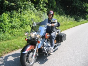 Geoff and his Yamaha Royal Star on Mountain Page Road
